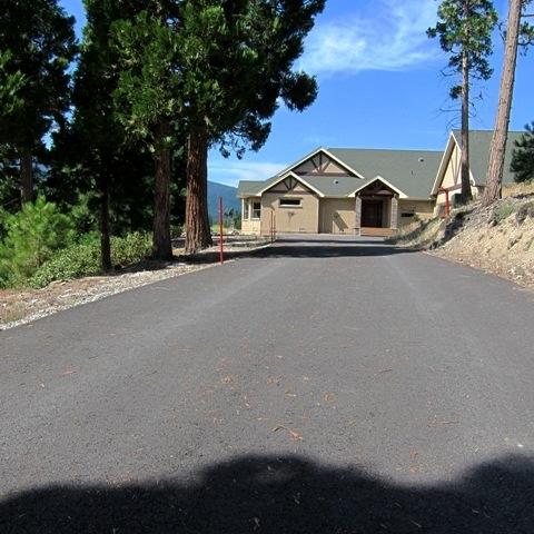 kristen-way-driveway
