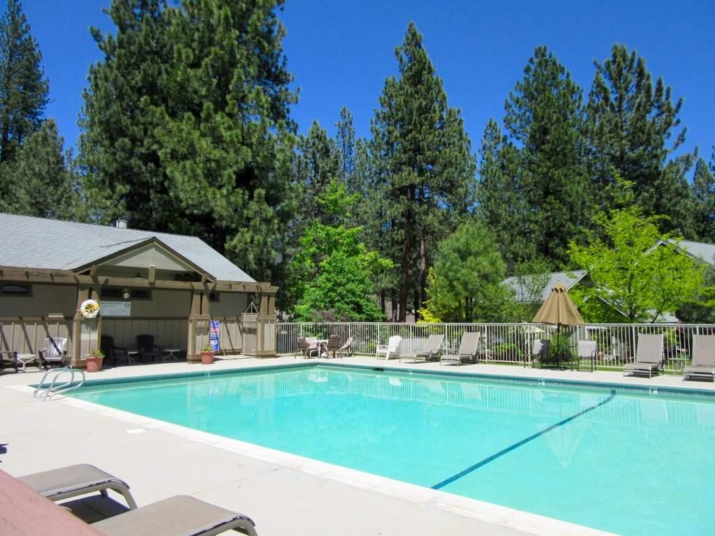 Plumas Pines pool 1